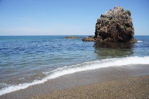 持石海岸(三里が浜)